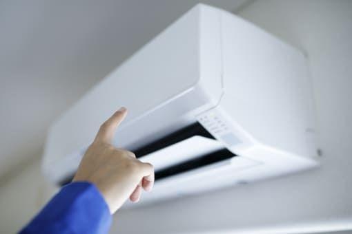 家庭用エアコンが故障したときの主な原因と解決方法