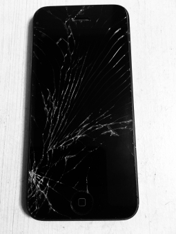 iphoneのガラス(液晶)が割れたときの交換&修理の手順