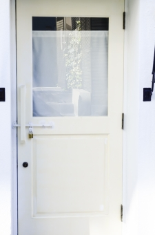 ガラスドア(勝手口)のドア交換におけるメリット・デメリット