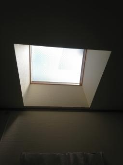 割れた天窓ガラスの修理およぼ交換方法まとめ