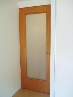 リビングドアのガラスの修理と交換のやり方
