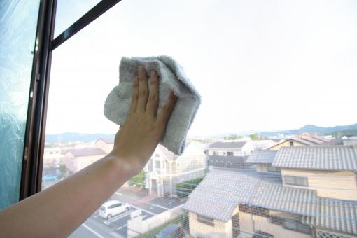 ガラスルーバー窓の特徴と交換方法まとめ